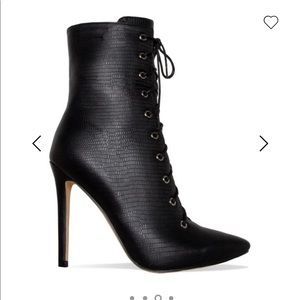Shoes - Ankle bootie
